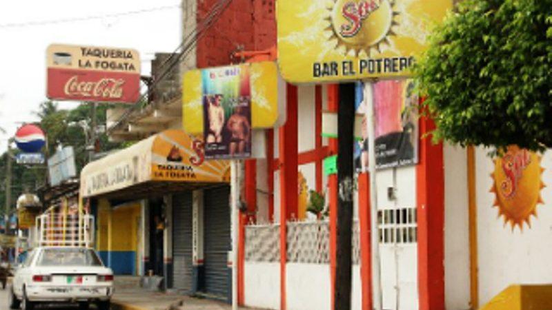 Por cierre de establecimientos, disminuyen revisiones a trabajadoras de bares