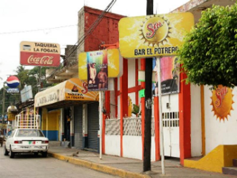 Hasta 80 por ciento de pérdidas registran bares y cantinas de Tuxtepec
