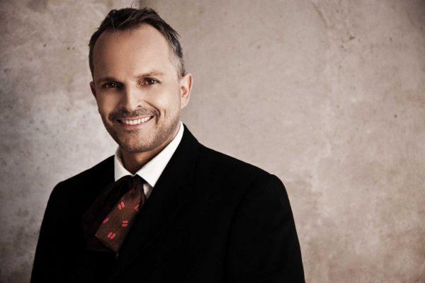 Miguel Bosé ofrecerá un concierto gratuito en el Zócalo de la CDMX