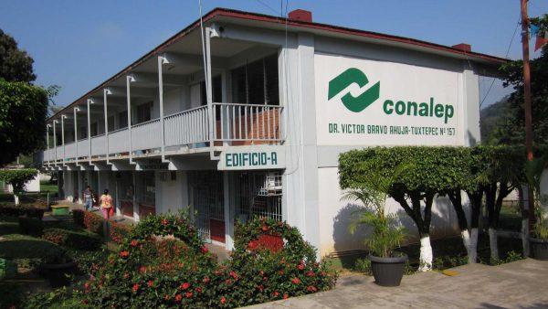 SUTDCEO entrega instalaciones del CONALEP a la Directora