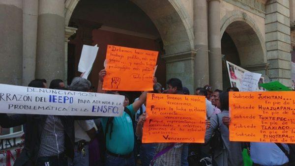 ENSFO exige cumplimiento de acuerdos hechos con Gabino Cué