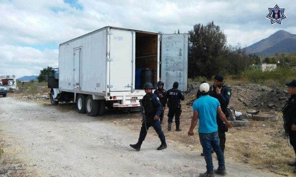 Aseguran más de 7 mil litros de hidrocarburo y dos armas de fuego en Oaxaca