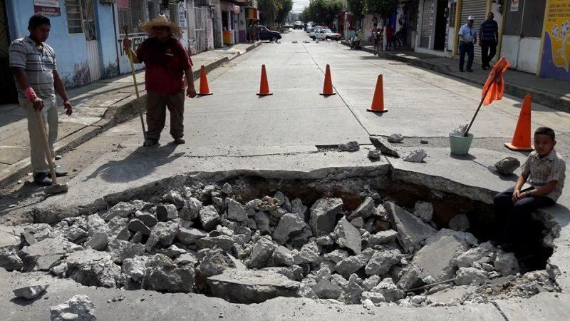 Nuevo socavón en calles de Tuxtepec