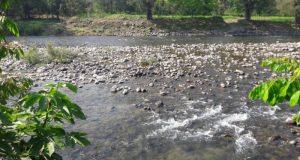 Bajo nivel del río provoca escasez de agua potable en Valle Nacional