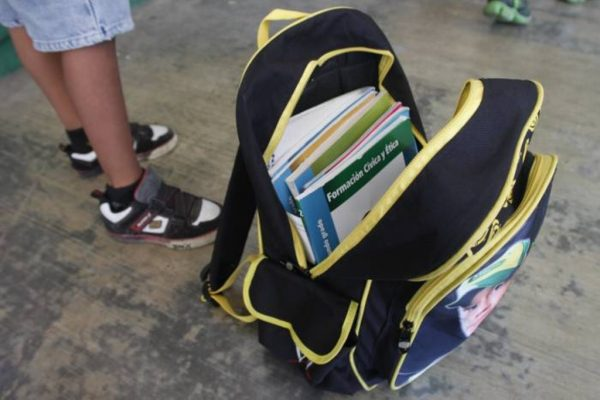 Hallan drogas y armas blancas a un niño de primaria en Veracruz