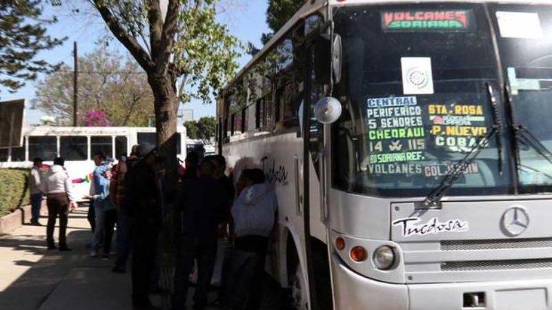 Cumple tres días paro de transporte público en Oaxaca