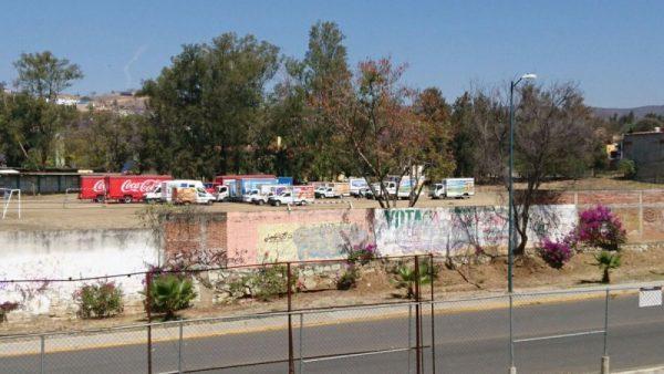 Normalistas en Oaxaca retienen 23 camiones