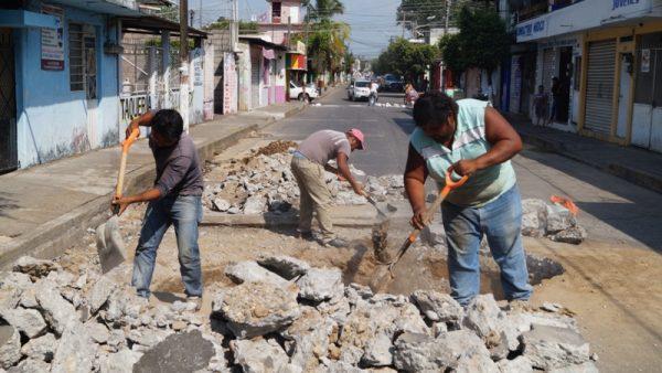 """Atiende Gobierno Municipal hundimiento en la avenida """"18 de Marzo"""""""
