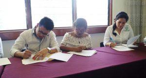 Firman convenio de vinculación Instituto Municipal de la Juventud e IEBO
