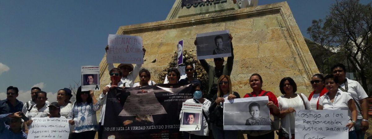 Protestan periodistas en Oaxaca por asesinatos en México