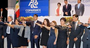 Toma Alejandro Murat protesta a la nueva directiva de la Coparmex
