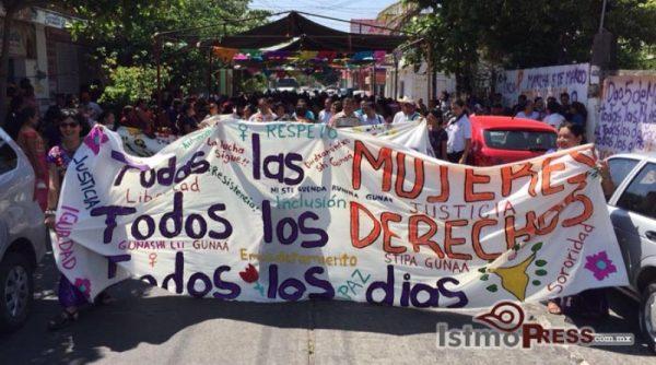 Mujeres marchan para exigir justicia y respeto a sus derechos humanos