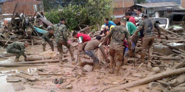 Suman 314 muertos por avalancha en Colombia