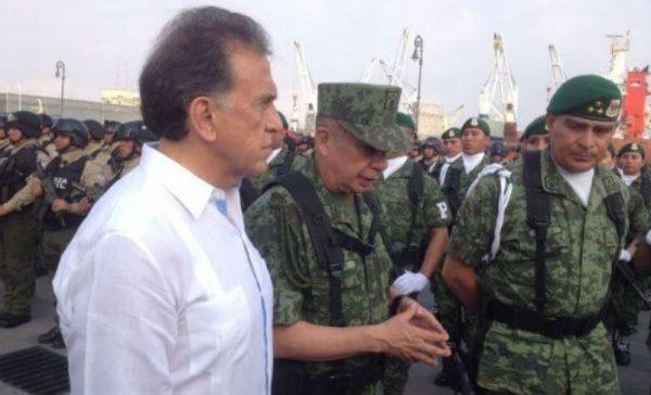Yunes linares de bienvenida oficial a Policía Militar a Veracruz