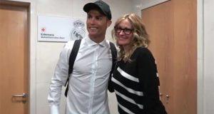 Julia Roberts se 'cuela' al vestidor del Real Madrid en el Bernabéu