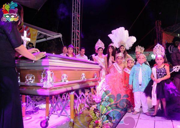 Se burlan de Sacre y Paco Niño en cierre del carnaval de Tuxtepec