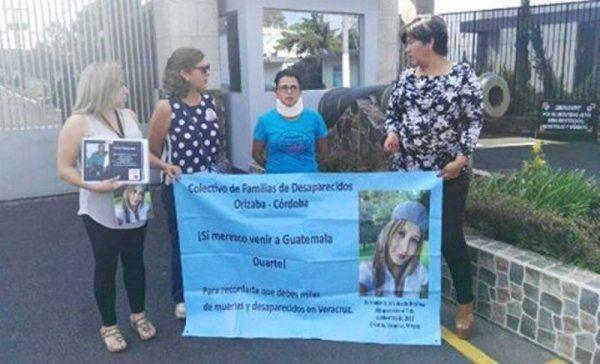 "Madres de desaparecidos en Veracruz ""visitan"" a Duarte en Guatemala"