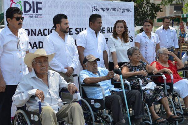 María Luisa Vallejo y Fernanado Dávila saben servir con humildad: beneficiarios
