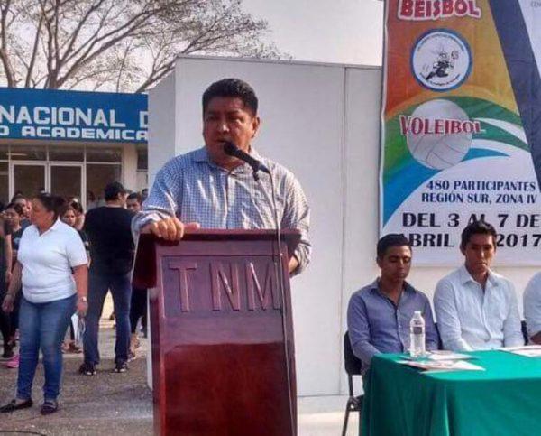 Gestiona Irineo Molina recurso para autobús del Tecnológico de Tuxtepec