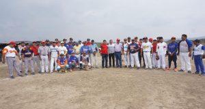 Inaugura Carol liga de béisbol en agencias de Ixtaltepec