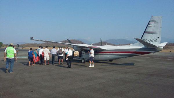 Destinan aeronave para buscar a otros pescadores desaparecidos en Huatulco