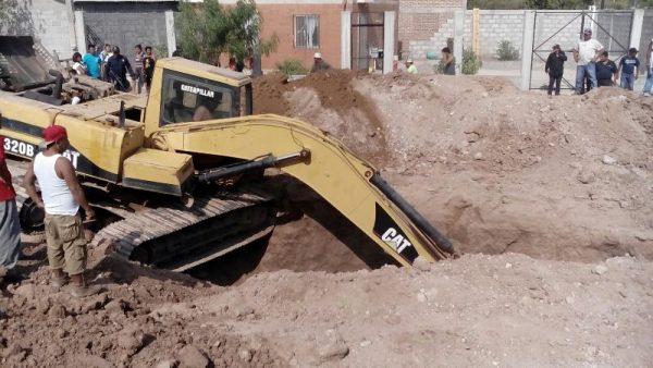 Derrumbe en obra sepulta a dos obreros en Cd. Ixtepec
