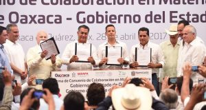 Firman Alejandro Murat y Gobernador de Nuevo León convenios para fortalecer comercialización ganadera