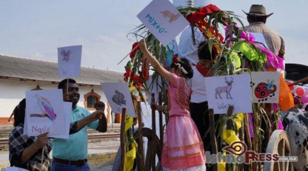 Con desfile inicia la celebración del 82 aniversario de Ciudad Ixtepec