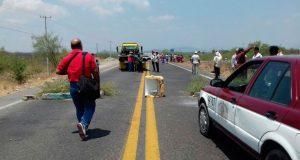 Mantienen por cuarto día bloqueo en carretera del Istmo