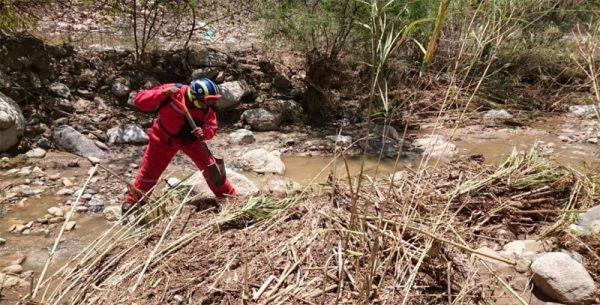 Encuentran a mujer arrastrada por la corriente en Teotitlán