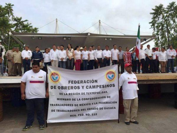 12 sindicatos que participaron en el desfile del día del Trabajo en Tuxtepec