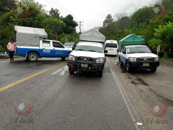 Taxistas de Jacatepec señalan a Presidente y funcionarios de ser dueños de concesiones