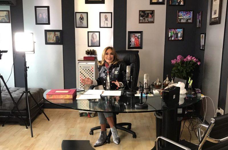 Adela Micha superó los 'en vivo' en Facebook a Carmen Aristegui