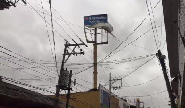 Fuertes rachas de viento provocan caos y pánico en Tuxtepec