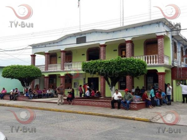 Ayuntamiento de Valle en jaque, 3 días sin dar servicios