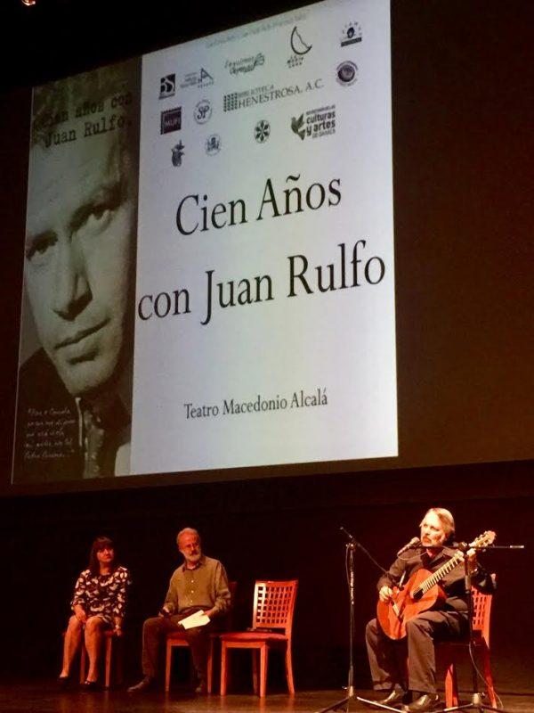 """Estrenan documental """"Cien años con Juan Rulfo"""" para celebrar centenario de su nacimiento"""