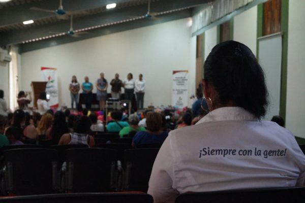 Gobierno Municipal imparte taller: Mujer Celebra la Vida