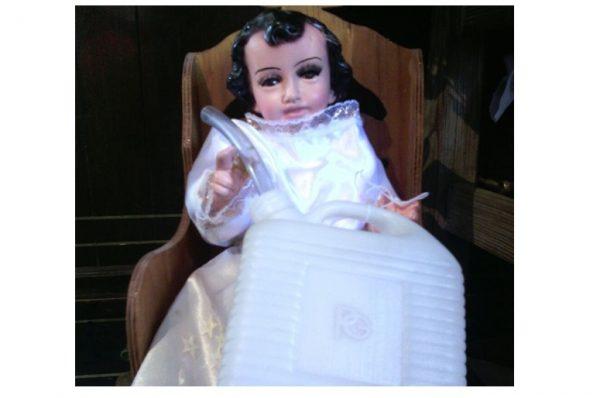 Huachicoleros ruegan a su propio niño santo