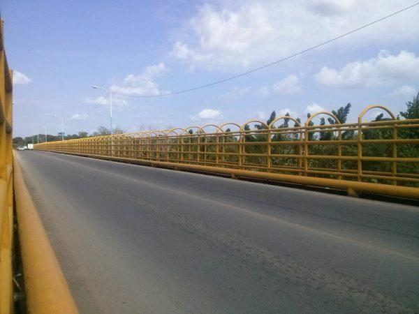 Por inconformidades de usuarios, continuará abierto el puente a San Bartolo