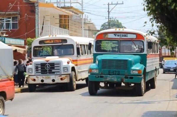 Estudiantes denuncian incumplimiento de transportistas