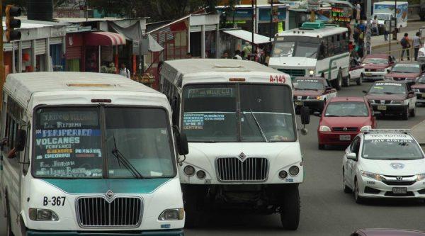 Cancelan en Oaxaca permisos a transportistas por conflictos sociales