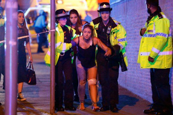 #Manchester | Ataque terrorista en concierto de Ariana Grande; al menos 19 muertos y 50 heridos