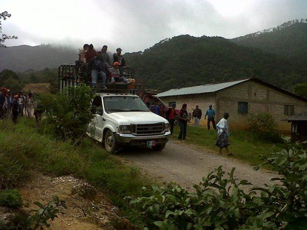 Emplazan Chimas al gobierno para desalojo de invasores