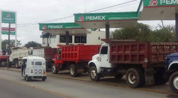 Transportistas resguardan obras en Xoxocotlán