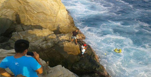 Despiden a turista que cayó de un acantilado en Mazunte