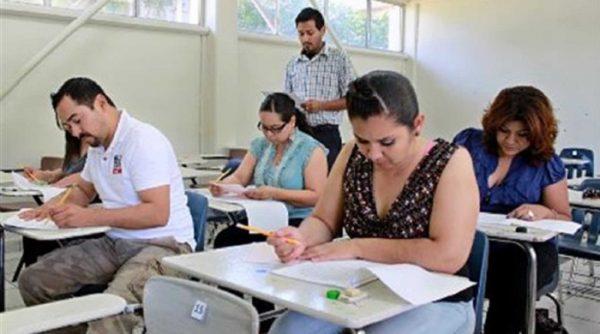 Cerca de 3 mil docentes de Chiapas, Michoacán y Oaxaca participaron en diversos procesos de evaluación del Servicio Profesional Docente: SEP