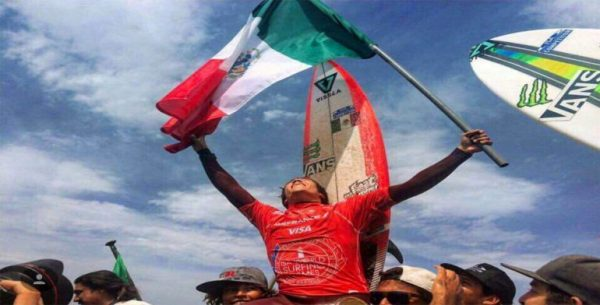 Oaxaqueño gana campeonato mundial de surf