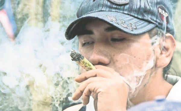 Mexicanos prefieren marihuana por la noche
