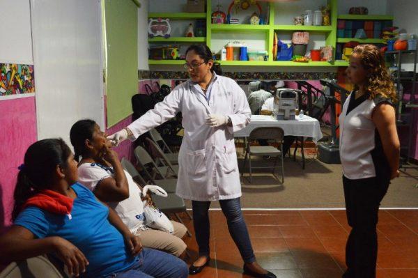 DIF Tuxtepec y sector  salud detectan 47 casos para operaciones oftálmicas
