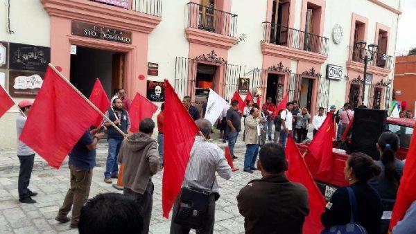 En el consulado de Estados Unidos activistas de organizaciones exigen respeto al pueblo de Venezuela